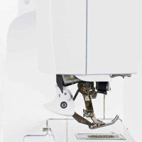 Швейная машина Bernina 750 QE